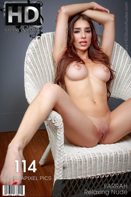 Farrah in Relaxing Nude - High Res Pictorial!l!